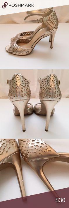 gold heels. metallic gold heels, great condition. Jessica Simpson Shoes