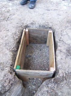 The New Hare-Pen: Stage 1 - Rabbit Hutches: Outdoor & Indoor Rabbit Hutche Models Rabbit Pen, Rabbit Farm, Rabbit Cages, Meat Rabbits, Raising Rabbits, Rabbit Enclosure, Reptile Enclosure, Outdoor Rabbit Hutch, Turtle Habitat