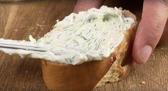 Stačí zmiešať kefír s kyslou smotanou. Úžasný recept, ktorý každého ohromí – radynadzlato.sk Kefir, Camembert Cheese, Dairy, Food, Essen, Meals, Yemek, Eten