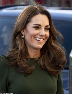 LEWISHAM, ENGLAND - JANUARY Catherine, Duchess of Cambridge launches a new national support line at the charity, Family Action on January 2019 in Lewisham, England. (Photo by Mark Cuthbert/UK Press via Getty Images) Kate Middleton New Hair, Kate Middleton Style, Sandro, British Monarchy History, Cuthbert, Princess Charlotte, Princess Margaret, Lady Diana, Buckingham Palace