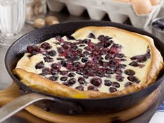 Blueberry Dutch Pancake | mrfood.com
