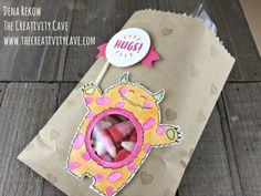 Check out my blog for more info on making this adorable treat bag (and a coordinating card!) at www.thecreativitycave.com Using Stampin Up's Yummy in my Tummy Stamp Set #stampinup #yummyinmytummy #thecreativitycave