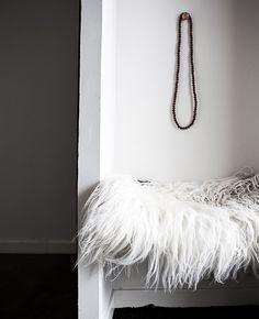 #DaniellaWitte #ShagRug #Necklace #Detail #Home #Inspiration
