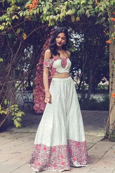 ec55783824 Mani Bhatia: Buy Mani Bhatia Designer Kurta Sets, Dresses, Lehengas,  Anarkali, Sarees Buy Online   Pernia's Pop-Up Shop