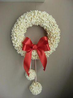 Popcorn wreath:)
