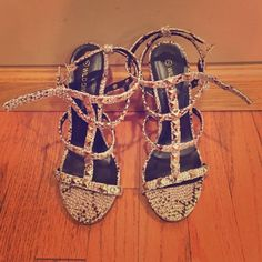 Wild diva heels Brown leopard skin with studs 4.75 in heel veryyyyyy cute Wild Diva Shoes Heels