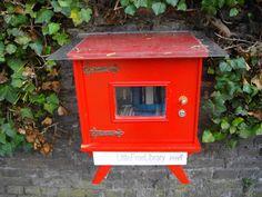 Free Library (gratis ruildienst voor gelezen boeken, waar je voor een ander boek kan ruilen) in Hasselt