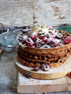 Pepperkakevafler... eller vintervafler om du vil.   #vafler #waffles #vaffelkos #vaffel #wafflerecipes #vaffeloppskrifter #oppskrifter #gingerbread #spice #pepperkake #vinter No Bake Cake, Allergies, Food Inspiration, Camembert Cheese, Cheesecake, Bread, Baking, Breakfast, Sweet