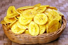 How to make Nendrangai Masala Chips. Step by step instructions to make Nendrangai Masala Chips . Cuban Recipes, Indian Food Recipes, Snack Recipes, Cooking Recipes, Homemade Banana Chips, Masala Chips, Raw Banana, Healthy Snacks, Healthy Recipes