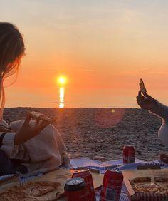 All photos, videos, and art IS NOT mine. Beach Aesthetic, Summer Aesthetic, Flower Aesthetic, Travel Aesthetic, Summer Feeling, Summer Vibes, Summer Sunset, Mode Für Teenies, Shotting Photo