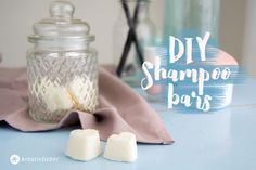 DIY Shampoo Bars shampoo selber herstellen diy shampoo bars reiseshampoo travel shampoo diy beauty diy tutorial hair The post DIY Shampoo Bars appeared first on Selber Machen Ideen. Diy Shampoo, Solid Shampoo, Homemade Shampoo, Shampoo Bar, Conditioning Shampoo, Diy Scrub, Homemade Soap Recipes, Lush Products, Dandruff