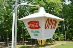 VINTAGE 50'S COCA COLA SODA DRINK FISHTAIL BUTTON ROTATING LIGHT UP SIGN RARE!