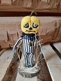 Halloween Dolls Decorations Sad Pumpkin Pumpkinhead Artdoll Halloween Doll, Halloween Pumpkins, Halloween Decorations, Halloween 2020, Handmade Shop, Handmade Gifts, Handmade Items, Gothic Dolls, Doll Maker
