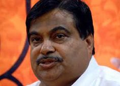 """Under attack over a statement his detractors took umbrage at, BJP President Nitin Gadkari today denied comparing Swami Vivekananda with underworld don Dawood Ibrahim and expressed """"sincere regrets"""" over the hurt to public sentiments caused by his remarks. """"I would like to reiterate that I never compared Swami Vivekananda with anyone. I had absolutely no no intention to project Swami Vivekananda in bad light."""
