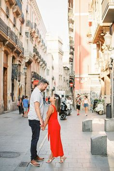 Photoshoot Valencia Spain - Pre wedding, Engagement, Wedding photography & videography in Europe 10th Wedding Anniversary, Valencia Spain, Wedding Photography And Videography, Wedding Videos, Engagements, Destination Wedding Photographer, Wedding Engagement, Barcelona, Europe