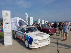 Návštevníci Medzinárodných leteckých dní SIAF 2018 si užili skvelú leteckú šou, ktorú predvedli lietadlá z jedenástich krajín. SIAF 2018 sa niesol v znamení stého výročia vzniku Československa. Racing, Vehicles, Car, Automobile, Auto Racing, Lace, Cars, Vehicle, Tools
