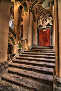 Napoli, Palazzo dello Spagnolo, entrata del museo delle Guarrettelle by Angelo Casteltrione (Aka alterdimaggio1957), via Flickr