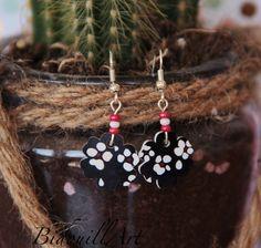 Boucles d'oreille fleur dessinées à la main : Boucles d'oreille par bidouillart