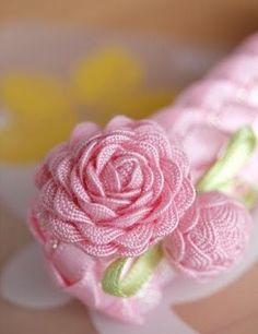 Looks like a real flower, rick rack...