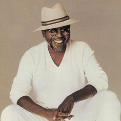Curtis Mayfield - A pioneer of soul music and funk music, he was a founding member of the Impressions and a successful solo musician. Soul Music, Sound Of Music, My Music, Curtis Mayfield, Old School Music, R&b Soul, Soul Funk, My Black Is Beautiful, Beautiful Songs