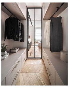 Small Walk In Wardrobe, Walk In Wardrobe Design, Wardrobe Design Bedroom, Small Walking Closet, Small Dressing Rooms, Dressing Room Design, Walk In Wardrobe Inspiration, Küchen Design, House Design