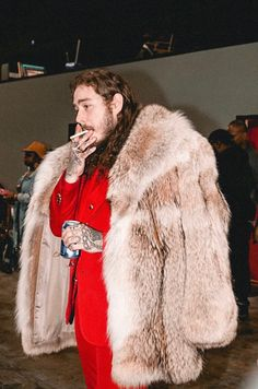 - ̗̀ @stxney ̖́ - Fur Jacket, Fur Coat, Post Malone Lyrics, Mens Fur, Love Post, American Rappers, Music Icon, My Man, Cute Guys