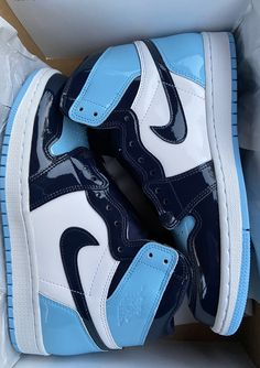 Jordan Shoes Girls, Girls Shoes, Basket Style, Sneaker Outfits, Nike Shoes Air Force, Aesthetic Shoes, Hype Shoes, Fresh Shoes, Foot Locker