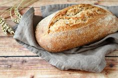 Evde Somun Ekmek Shake the smell of bread, such as house mis, enjoy your breakfast for a long time. Introduce loaf bread recipe at home. Enjoy your meal. Loaf Bread Recipe, Bread Recipes, Pain Bio, Whole Wheat Sourdough, Sour Taste, Food Science, Sin Gluten, Gluten Free Recipes, Easy Meals
