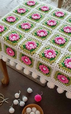 Best 12 40 Different Crochet Baby Blanket Patterns Ideas and Images for 2019 Part crochet baby blanket free pattern; crochet baby blanket for girl Crochet Baby Blanket Free Pattern, Crochet Bedspread, Crochet Quilt, Granny Square Crochet Pattern, Crochet Flower Squares, Crochet Flower Patterns, Afghan Crochet Patterns, Knitting Patterns, Crochet Ideas