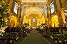 Décor de cerimônia na Basílica Nossa Senhora do Carmo.