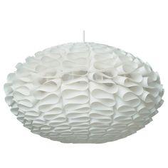 Norm 03 lamppu, small Valmistaja: Normann Copenhagen Design: Britt Kornum   Koko: 53 x 32 cm Materiaali: Palamaton muovi Väri: Valkoinen Valonlähde: Max 60 W Lisätiedot: Lampunvarjostimen voi ostaa joko sähköjohdolla (E27, pituus 2,5 m) tai ilman. Valitse haluamasi vaihtoehto alta. Johdon mukana tulee kattokuppi. 100e