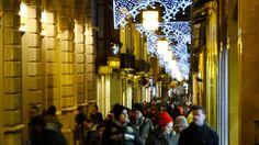 GRANADA | CENTRO | Calle Zacatín, de espaldas a Gran Vía.