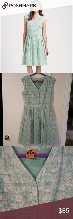 Tory Burch mint green Nico floral dress 10 So cute!! I'm downsizing my closet! Green is the color of 2017! Size 10, very excellent condition. Worn one time. Tory Burch Dresses