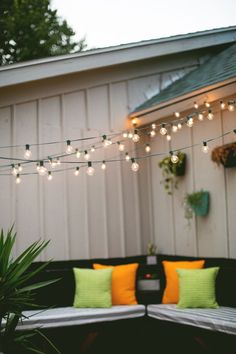 Check out these tips and hints for hanging string lights on your patio or deck from A Beautiful Mess. || @elsiecake