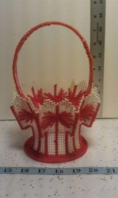 Crafts - CHM00067 - Plastic Canvas - Red decorative Basket