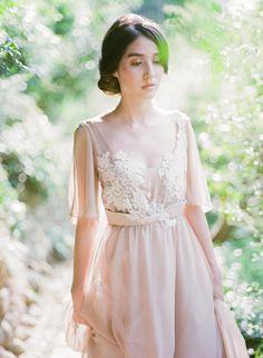 Robe de mariée bohème à non-corset dOlivier avec par CathyTelle