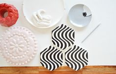 Come decorare una parete con piatti e ceramiche - Wall decor hanging plates and ceramics