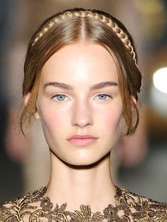Valentino Fall 2013: ethereal, Renaissance-inspired makeup with shimmering beige eyeshadow, rosy blush and soft pink lips