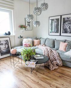 JUST STOP ...to say hello and wish you a great friday . Wollte Euch kurz noch Hallo sagenund wünsche euch einen schönen Freitag . #amariselements#couch#livingroom#interiordesign#interior9508#rom123#interior123#interior#homedecor#scandinavianinterior#kajastef#ilovemyinterior#interiorstyling#inspiremeinterior#mykindoflike#solebich#mzinterior#mrscarlissa#interiormagasinet#fashionaddict#fashifeen#dream_interiors