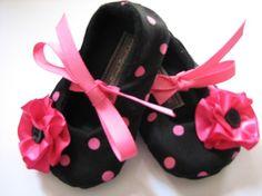 Rosa con lunares negros bebé zapatos de bailarina suave zapatillas botitas de bebé