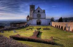 Assisi, Italy. one of my favorite places on earth. A fabulous place to get lost in :)
