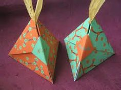 Origami Maniacs: Origami Pyramid Wrapping Gift Box