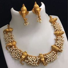 Nj Set Rs 2550 with shipping Direct message to place order Shipping is extra the damage will be exchanged… India Jewelry, Temple Jewellery, Cute Jewelry, Wedding Jewelry, Gold Jewelry, Diamond Jewelry, Jewelry Logo, Jewelry Model, Gold Necklaces