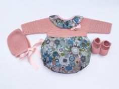 Baby Clothing Set: Romper, Collar, Bonnet And Booties