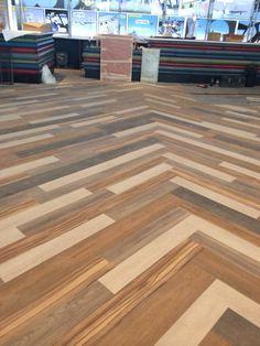 Via Twitter: Happy feet floors @Happyfeetfloors  Mar 19 #polyflor Expona multi width and colour laid in a random pattern at #nia. pic.twitter.com/P7kfQRXUob