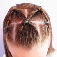 Website with lots of hairdo tutorials for little girls (easy hairstyles for school 5 minutes) Easy Hairstyles For School, Little Girl Hairstyles, Messy Hairstyles, Tail Hairstyle, For Elise, Toddler Hair, Hair Dos, Hair Lengths, Curly Hair Styles