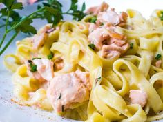 Salmon noodles - recipe- Lachsnudeln – Rezept The recipe salmon noodles fit perfectly with a fresh … - Salmon Pasta Recipes, Easy Pasta Recipes, Noodle Recipes, Salmon Dishes, Sausage Recipes, Meat Recipes, Grilling Recipes, Vegetarian Lunch, Vegetarian Recipes