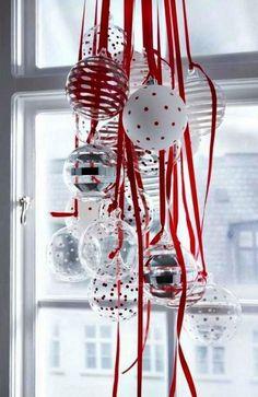 ornament-christmas-window-decorating-ideas