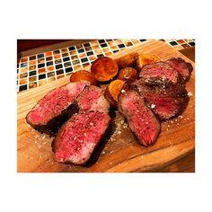 らぶおにく🍽💕 #お肉は世界を救う🌐 . 朝から食テロ☺️ずばばばばばーん💭 . 今日も一日頑張りましょう🌸🌸 #桜散っちゃうかな🤔ひゅるりーら . . #肉#肉食部#肉食女子会#部位食べ比べ #リブロース#ランプ#イチボ#うまうま #ティラミスの名前がアダルトなティラミス #本当にアダルトだった#要するに深い#笑 #お洒落#ライフ#お洒落さんと繋がりたい #dinner#steak#food#alcohol#wine #instagood#like4like#follow4follow #instafood#enjoy#happy#smile#love