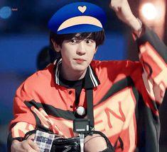 19.01.30 Travel The World on EXO's Ladder #parkchanyel #chanyeol #exo #exochanyeol #pcy #チャニョル #박찬열 #찬열 #朴灿烈 #灿烈 #kpopstar #Koreanstar #Kpop #kpopidol #チャンヨル #LOEY Chanyeol Cute, Park Chanyeol Exo, Kpop Exo, Baekhyun, Chanbaek, Exo Ot12, K Pop Star, Xiu Min, Korean Star
